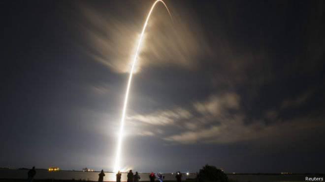 फाल्कन लॉन्च वाहन निरंतर लैंडिंग क्षति