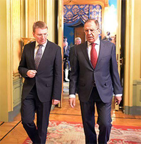 ラトビアのセルゲイ・ラヴロフ外相と会談した後、ロシアは制裁の解除について誰とも議論するつもりはない