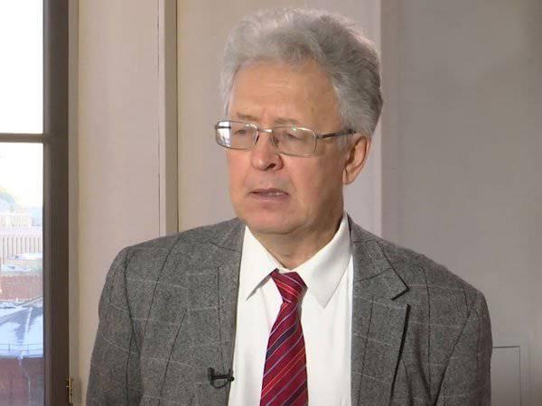 バレンティンカタソノフ。 今年のロシア2014の経済結果:特に大型の国の強盗