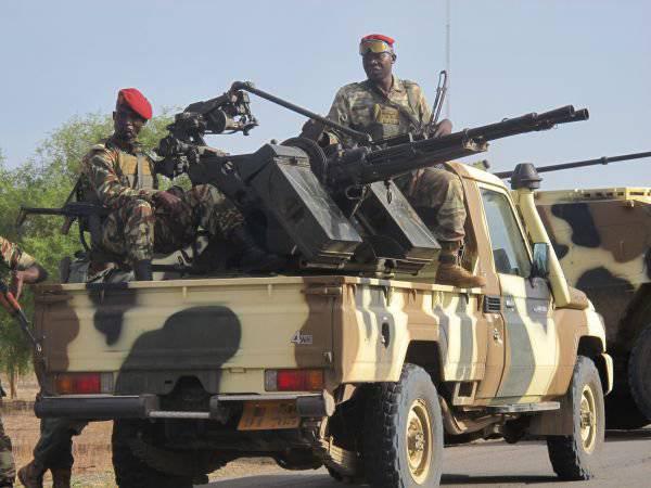 कैमरून सैन्य बोको हराम कट्टरपंथी समूह के 143 आतंकवादी को नष्ट कर देता है