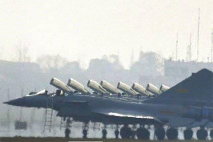 中国空軍はアップグレードされた戦闘機J-10Bを受け取る