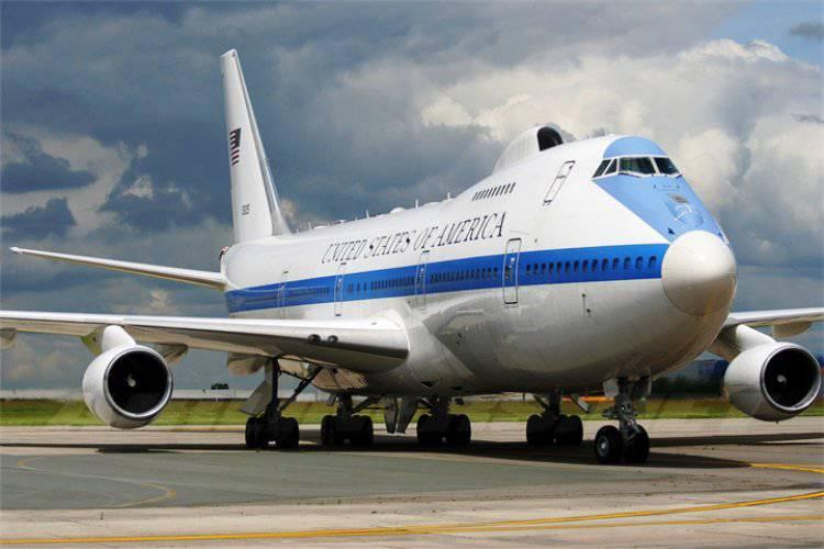 国防総省は大統領の航空機と航空指揮所を近代化する