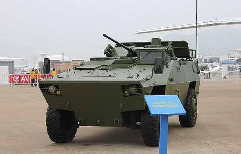 Nouveau véhicule d'assaut aéroporté chinois CS / VN3C 4x4 au salon AirShow China 2014 Airshow