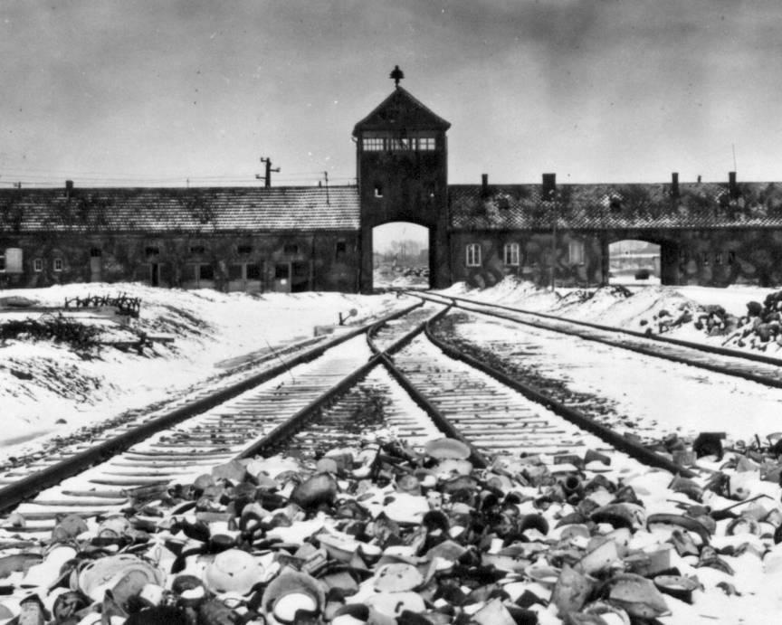 Сексуальные домогательства в фашистских лагерях