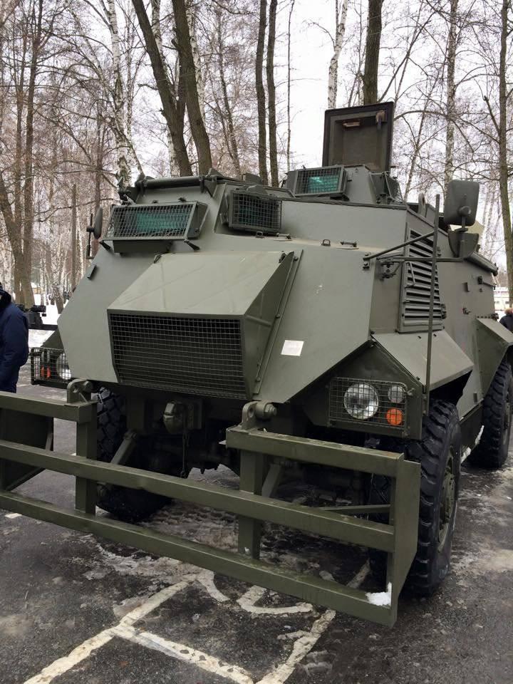 ब्रिटिश जनरल: यूक्रेन में पहुंचाई गई सैक्सन बख़्तरबंद गाड़ियों में यूक्रेनी सशस्त्र बलों के लड़ाकों के लिए जान का खतरा है