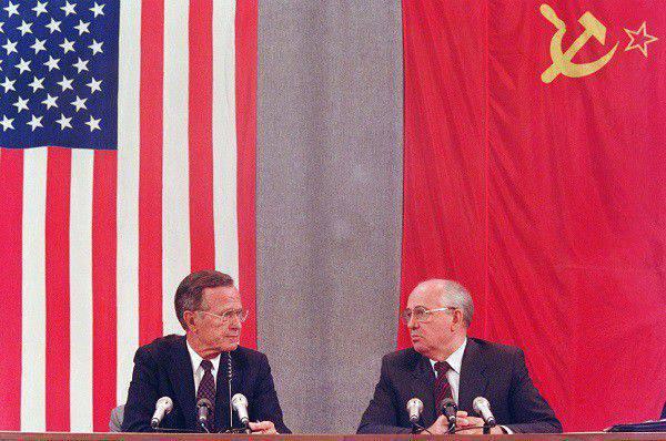 7 Gorbachev'in ölümcül hataları
