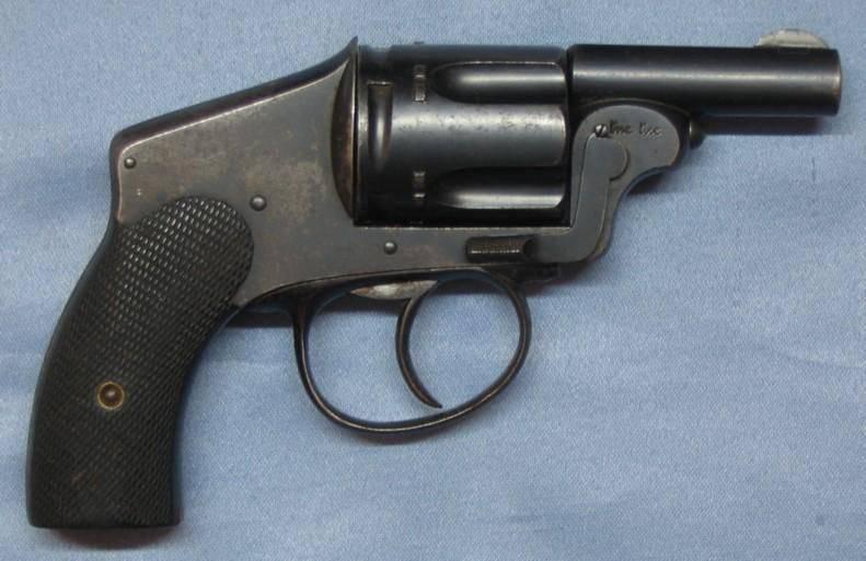 Revolver 8mm 92 ? Ou autre ?  1425302260_1