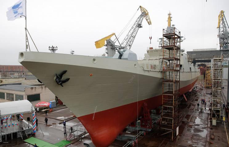 Lieferungen neuer Schiffe und U-Boote der Schwarzmeerflotte in 2015