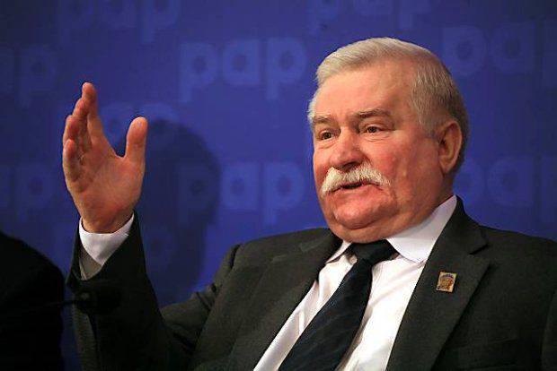 """챔버 번호 6. 레흐 바웬사 (Lech Walesa) : """"러시아가 감히 폴란드를 공격한다면, 20 천만 번째 작은 국가가 될 것입니다"""""""