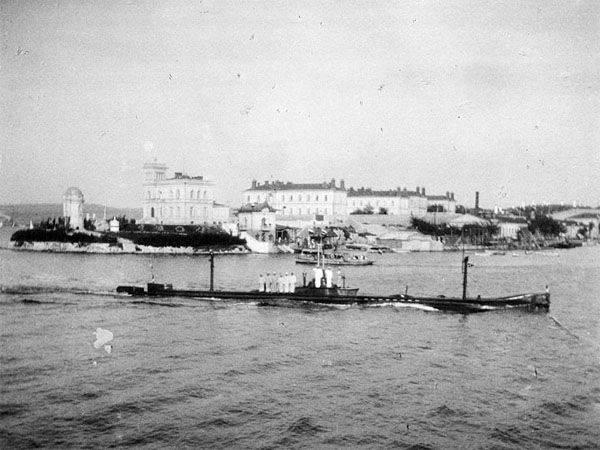 3月19  - ロシア連邦の潜水艦の日