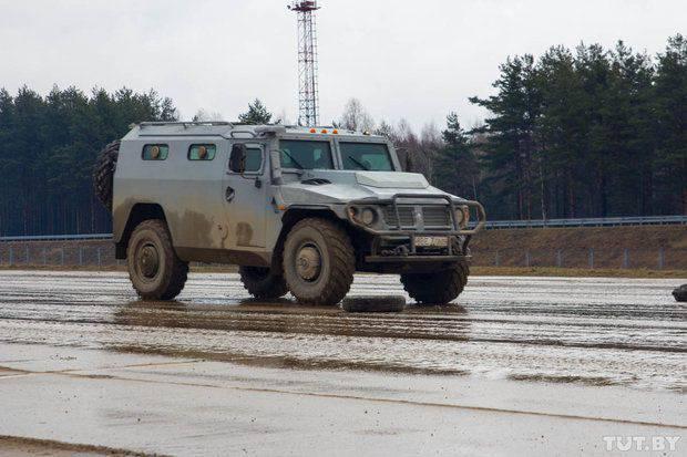 白俄罗斯军队为在明斯克的胜利游行做准备