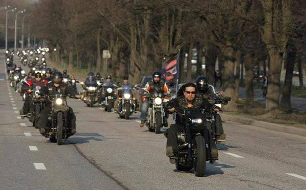 """波兰人要求外交部长沙奇努(Schetynu)禁止在波兰举行""""胜利之日""""周年摩托车晚会"""