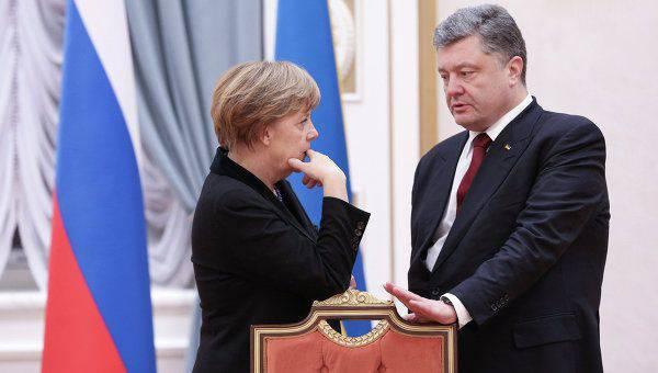 페트로 Poroshenko와 안젤라 메르켈 우크라이나의 동쪽에서 상황에 대한 전화 회담을 개최