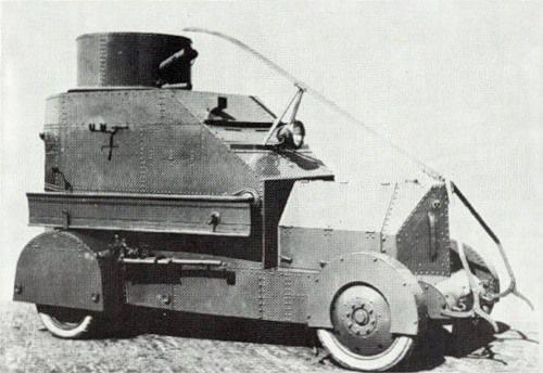 Vehículos blindados italianos de la época de la Primera Guerra Mundial.