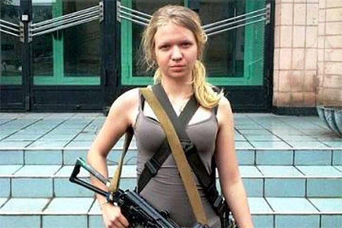 Фото.совсем юной девочке кончили в попку