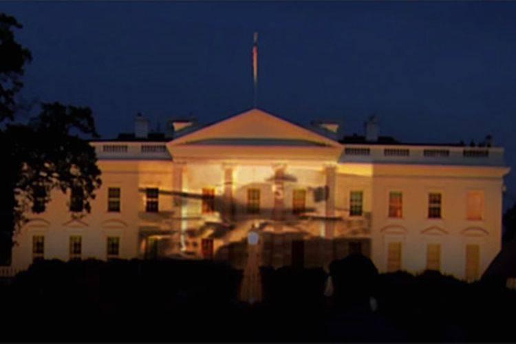 在白宫的门面的俄国胜利游行