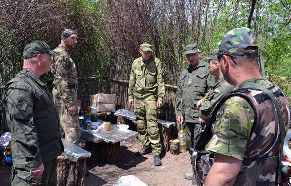 Des réservistes mobilisés par l'Ukraine ont organisé une manifestation sur le terrain d'entraînement de Yavoriv, où ils ont organisé des exercices communs avec les Américains.