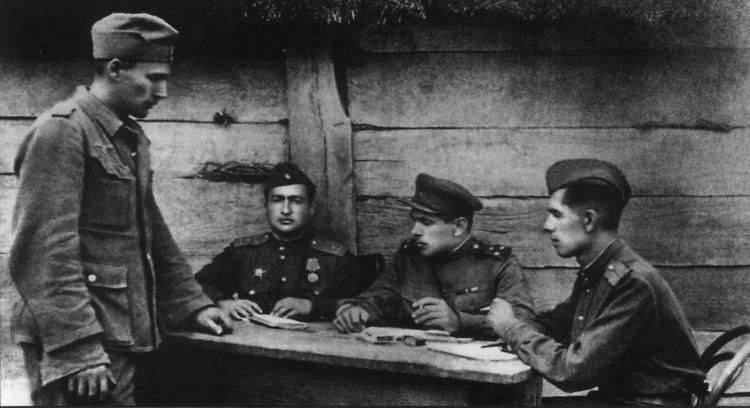 Mai 21 en Russie célèbre le jour du traducteur militaire