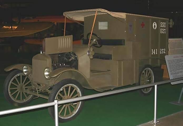 प्रथम विश्व युद्ध के ट्रक। अमेरिका