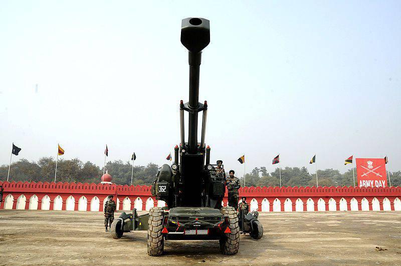インドは114 Dhanush牽引榴弾砲を購入する