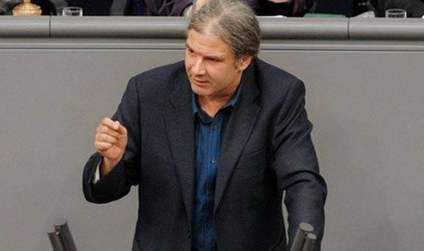 बुंडेस्टैग डिप्टी ने पश्चिम को रूस में क्रीमिया के प्रवेश को वैध के रूप में मान्यता देने के लिए आमंत्रित किया