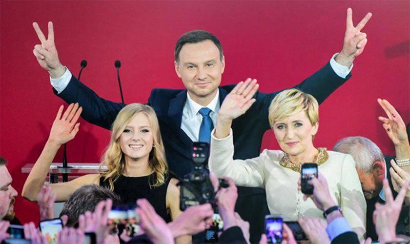 Duda  -  Poroshenko:誰と会うのですか? あなたと会いますか。