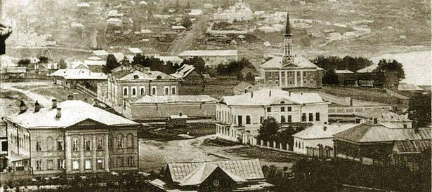 जनरल इगेलस्ट्रॉम और सैन्य खुफिया अधिकारी ह्युसिनोव ने उफा में एक मुफ्ती बनाया