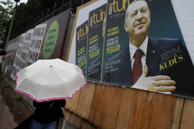 """Erdogan의 실패, 또는 """"결국, 여왕은 책임이있다"""""""