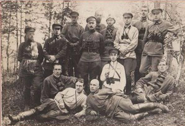 Rus İmparatorluğu soylular - Kızıl Ordu subaylarının omurgası veya bir başka liberal yalan üzerine
