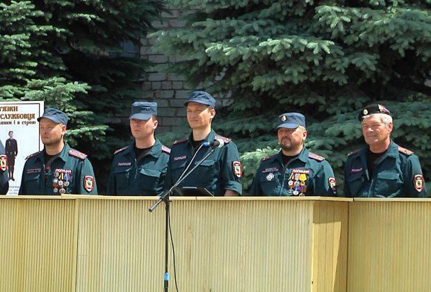 Lugansk Polis Okulu mezunları, LC halkına bağlılık yemini verdi