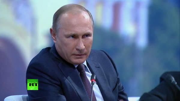 SPIEF-2015でのウラジミール・プーチン:「イラク侵攻後、全員が解散し、すべてが破壊され、サダムは絞首刑にされた -  ISIS」
