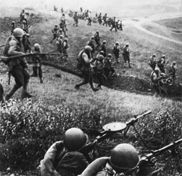 6月22  - 記憶と悲しみの日。 第二次世界大戦の始まり以来の年の74