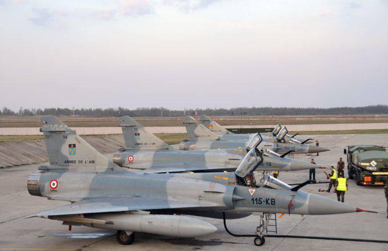 解放:フランス空軍では、航空機の40%だけが運用可能です。