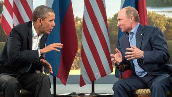 アメリカの作家:プーチン大統領は率直に話し、オバマ氏は偽善者である