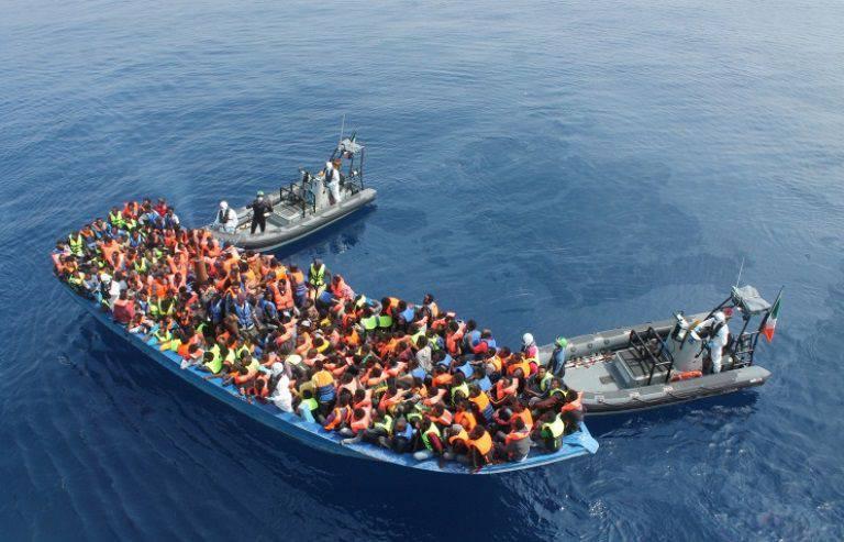 No Mediterrâneo, começará uma operação destinada a resolver problemas com refugiados africanos