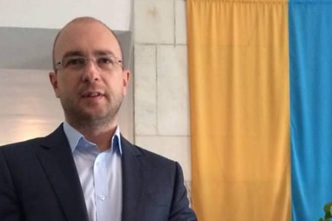 逃亡者クリミア首相:クリミア半島に戻る