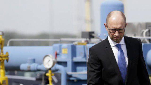 ウクライナArseniy Yatsenyuk首相は、ガスの逆流の「違法」禁止についてEU当局に訴えた