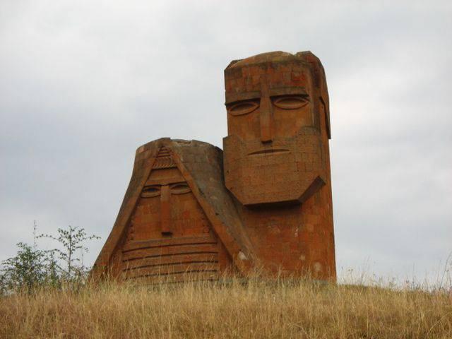 Maidan em Yerevan levará à perda de Karabakh?