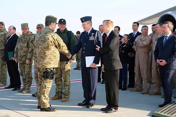 Os Estados Unidos fornecerão à Ucrânia outros veículos blindados 100 Humvee.