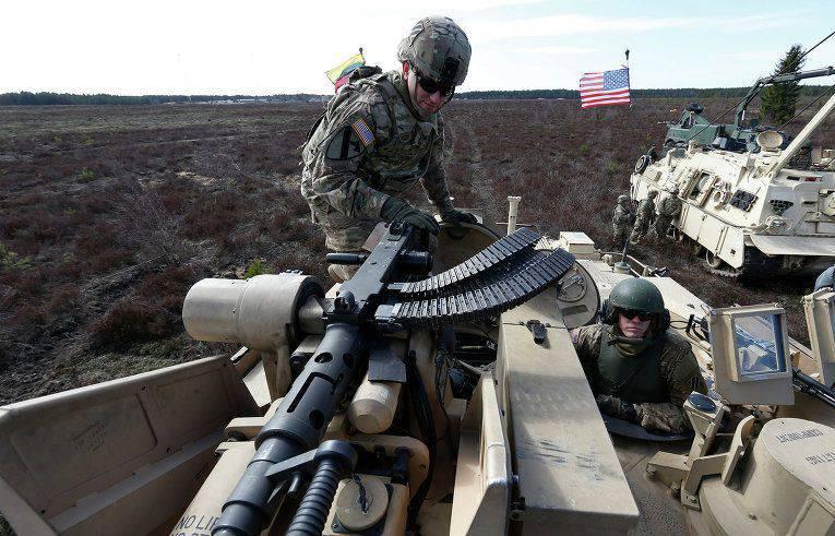 アメリカの歴史家:NATOが最初にロシアとの戦争にとても近づいた