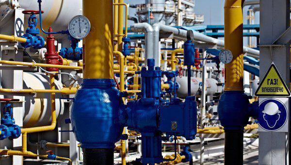 Arseniy Yatsenyuk:10年に、ウクライナはそれ自身のためにそれ自身の天然ガスを十分に供給しなければなりません