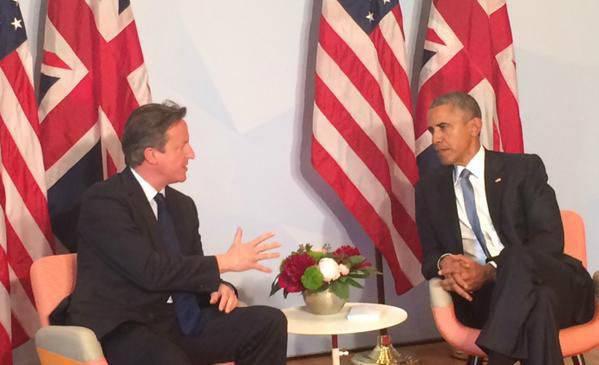 Cameron disse que ataques terroristas na Grã-Bretanha estão sendo preparados por militantes do EI, enquanto um analista político americano insiste que o sistema de comunicações do EI não é acessível à CIA e à NSA.