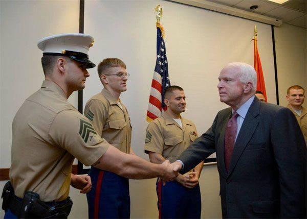 """미군 전문가들은 """"러시아 로켓 엔진 구매를 긴급히 거부 할 필요성""""에 대한 McCain 상원 의원의 의견에 불만을 표명했다"""