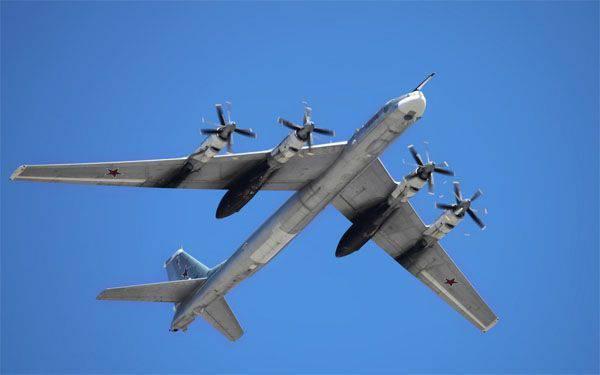 """Les médias américains sont """"préoccupés"""" par le fait que le Russe Tu-95 a survolé la côte ouest de l'Amérique du Nord le jour de l'indépendance des États-Unis"""