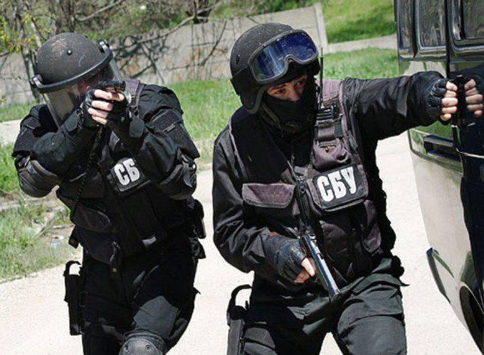 Milizsoldat sprach über die Auseinandersetzung zwischen den ukrainischen Sicherheitskräften an der Grenze des LC