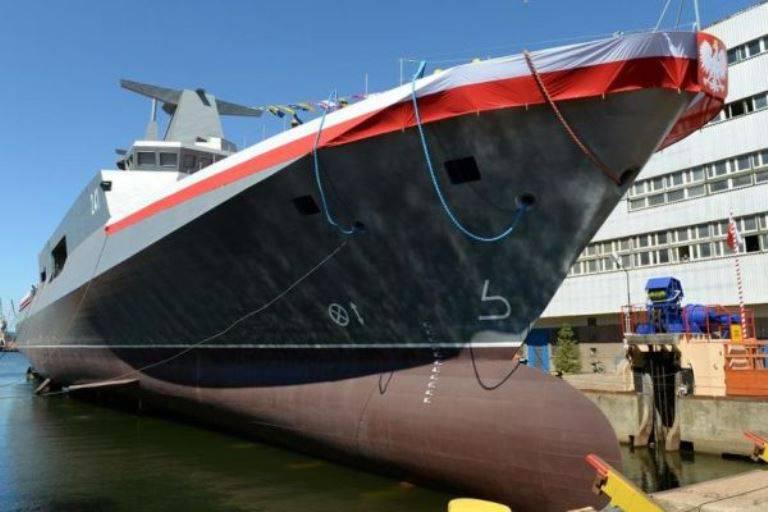 Polônia lançou um navio de guerra - o primeiro em 21 por ano