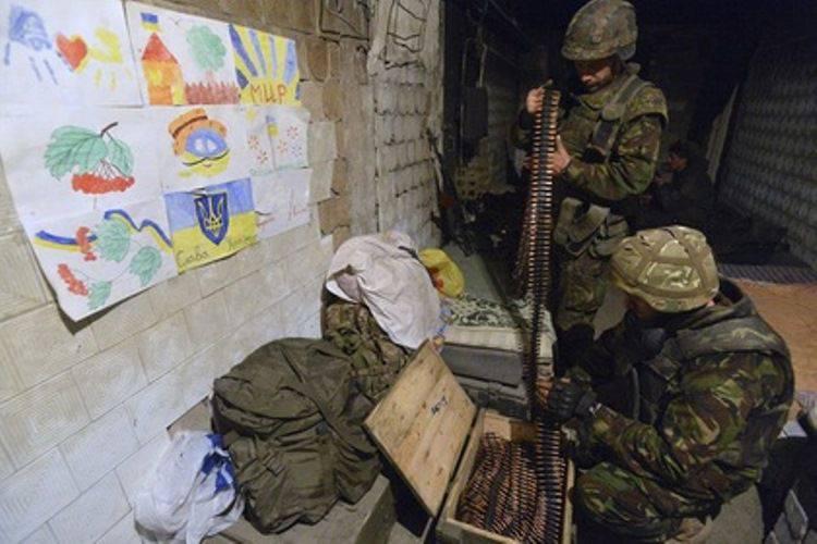 """Os observadores da OSCE registraram o fato de desobedecer o comando """"Setor Direito"""" das Forças Armadas da Ucrânia"""