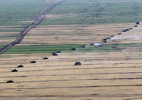 Weitere 2000-Soldaten haben auf dem Totskoy-Trainingsgelände mit den Übungen begonnen