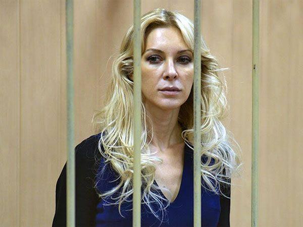 Au ministère de l'intérieur de l'Ukraine, il y avait un département dirigé par Elena Tichchenko, précédemment détenu en Russie dans le cas de fraude