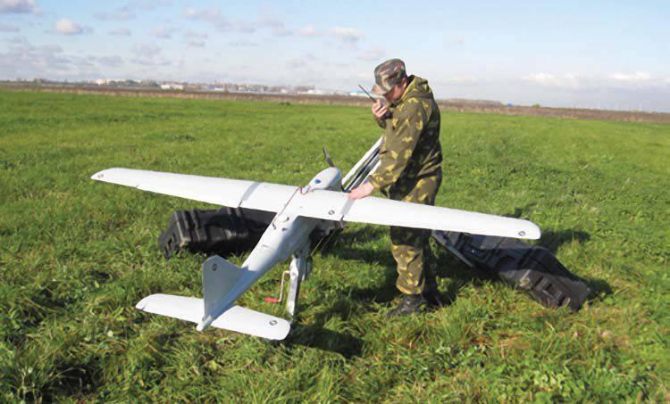 """Les militaires de la ZVO travaillent sur le réglage du tir avec l'aide de l'UAV """"Orlan-10"""""""